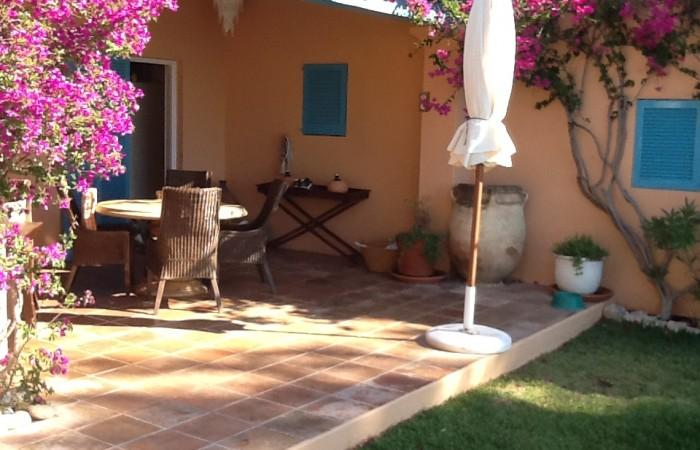 Villa te koop met een spectaculair uitzicht in Es Cubells