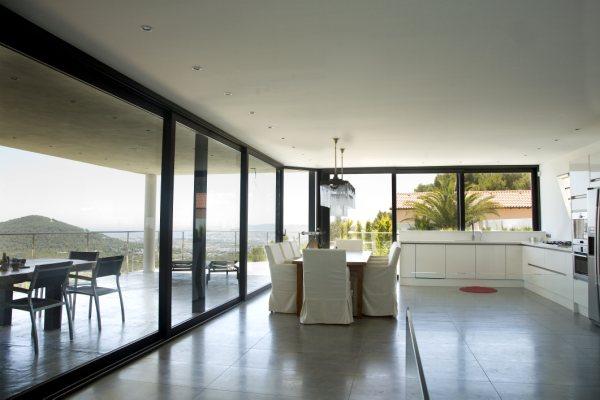 Uniek ontworpen villa te koop in Can Furnet