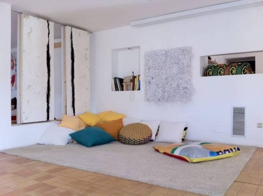 Gezellig huis met drie slaapkamers te koop in Ibiza