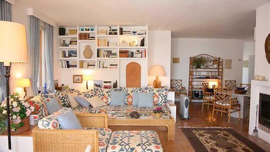 Charmant appartement te koop op de begane grond met een kleine tuin