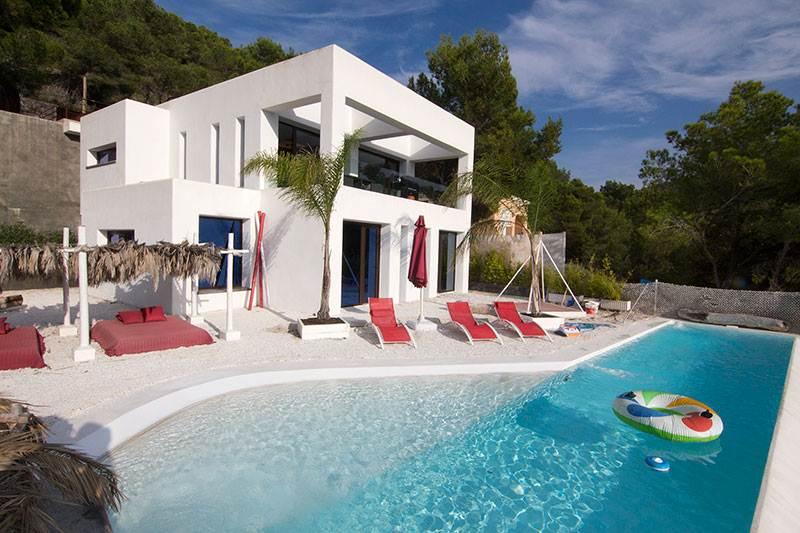 Villa met 5 slaapkamers in Cala Llonga, Santa Eulalia te koop
