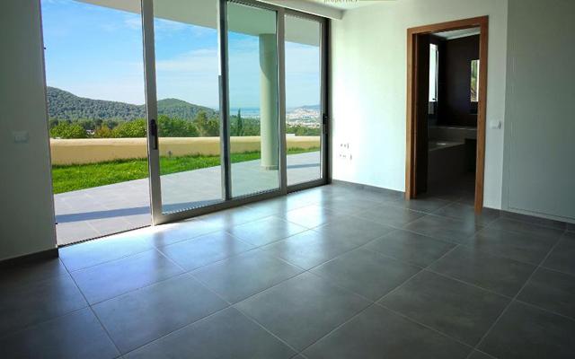 Luxe villa met panoramisch uitzicht in Can Furnet
