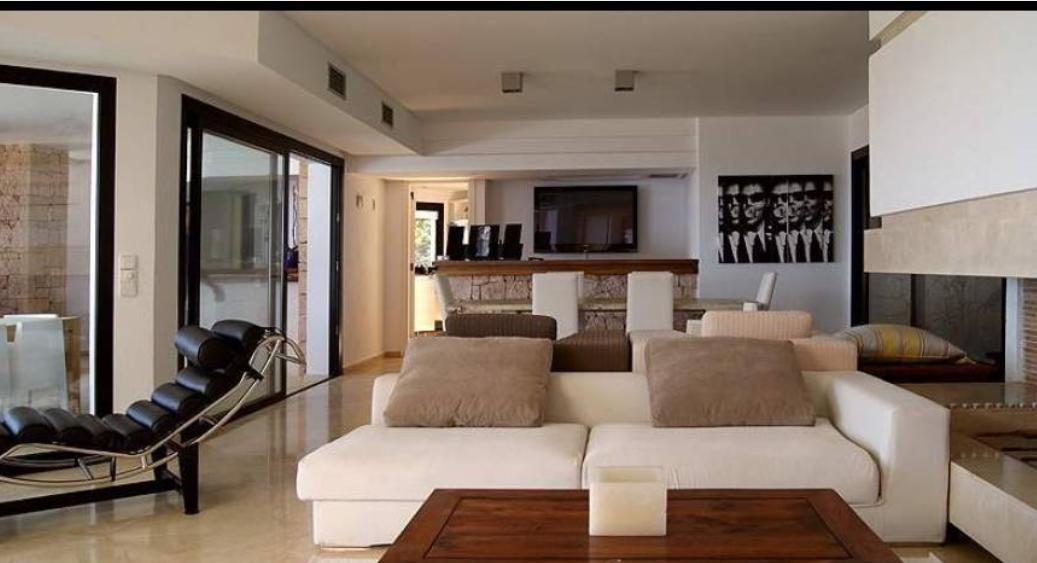 Paradijselijke luxe villa in Cala Vadella te koop