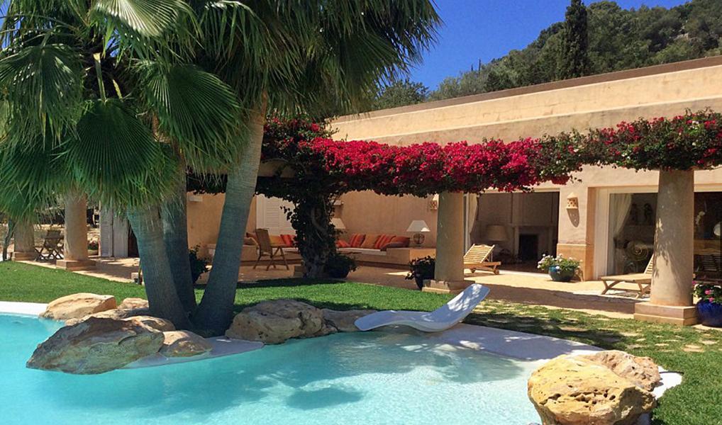 Prachtige villa met uitzicht op de zee en het eiland Formentera