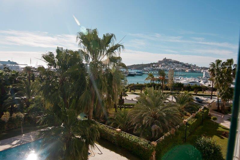 Luxe appartement met 4 slaapkamers in Marina Botafoch verkoop