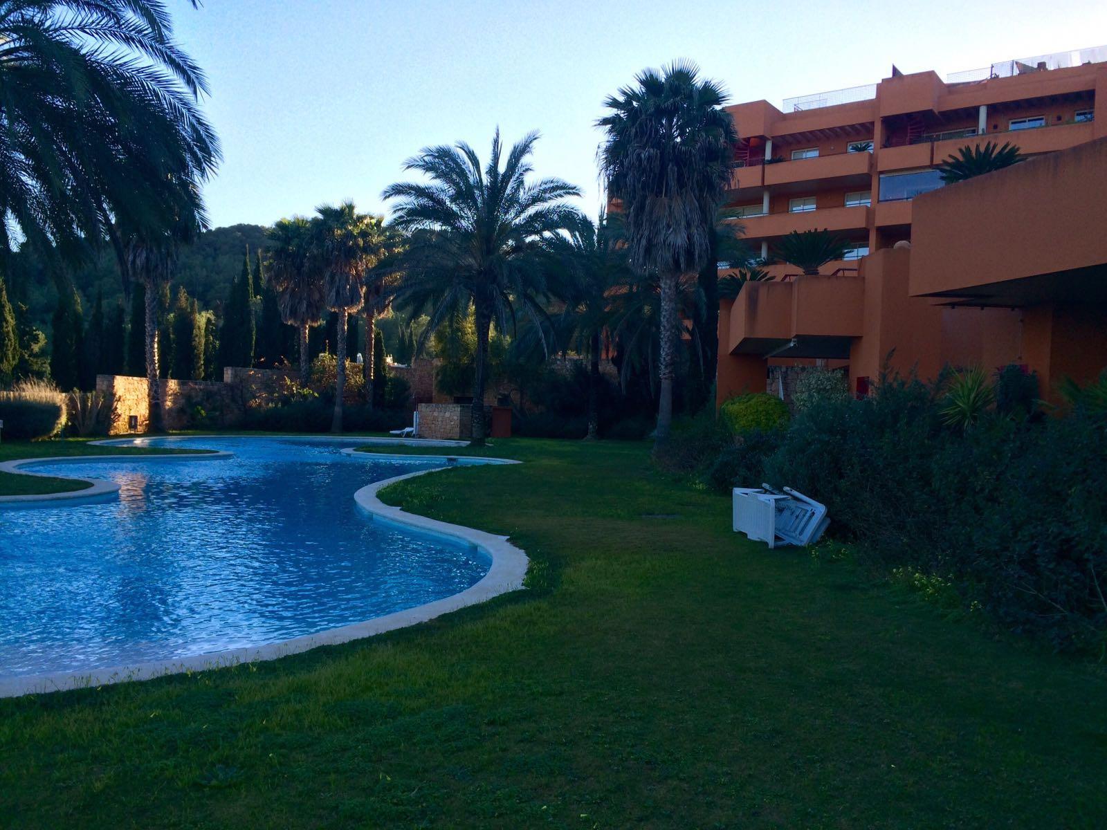 Begane grond appartement in Roca Llisa