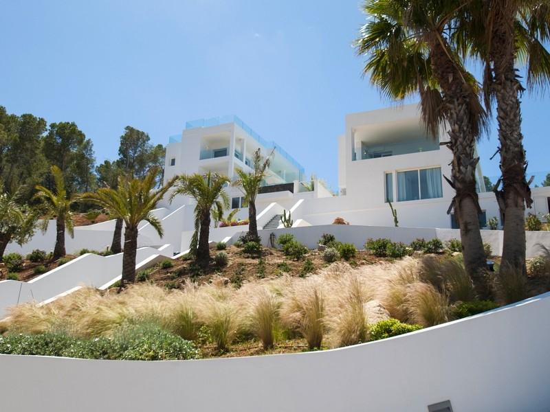 Twee luxe villa's met een prachtig uitzicht op zee over de kosten van Cala Moli
