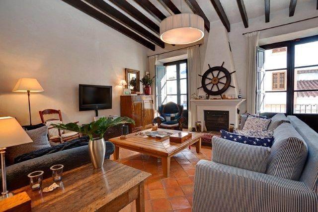 Luxe 4 slaapkamer huis in La Marina - Ibiza te koop