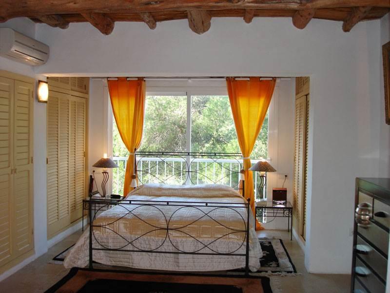 prachtige landhuis 5 slaapkamers in Roca Llisa te koop