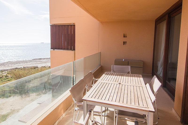 Mooi appartement met twee slaapkamers in Playa d'en Bossa te koop