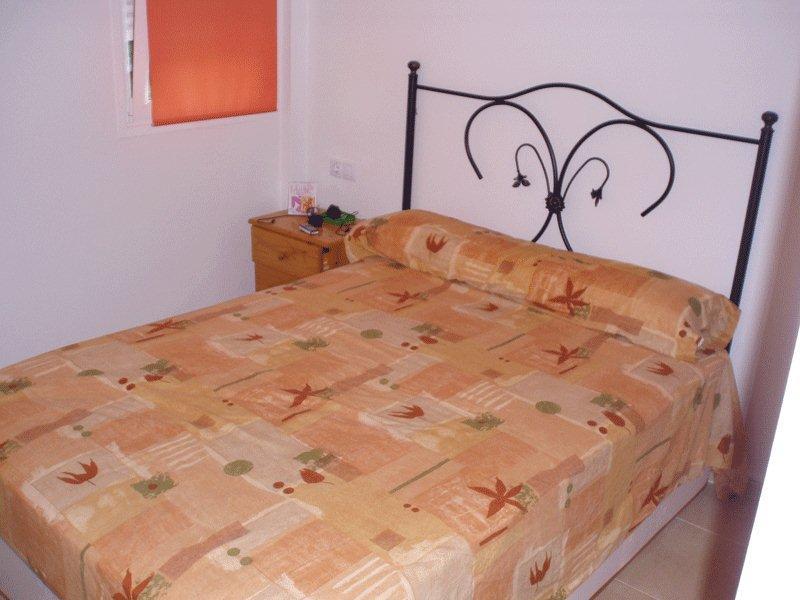 Mooi appartement met twee slaapkamers in Cala de Bou te koop