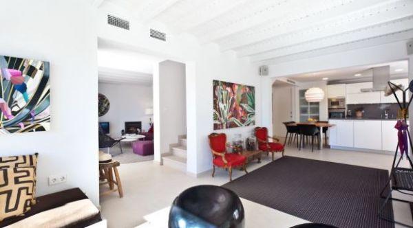 Luxe villa met 4 slaapkamers te koop in Las Salinas