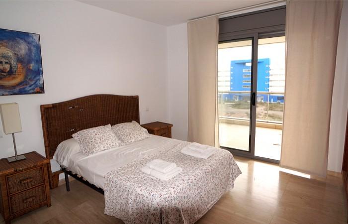 Drie-kamer appartement in Marina Botafoch te koop