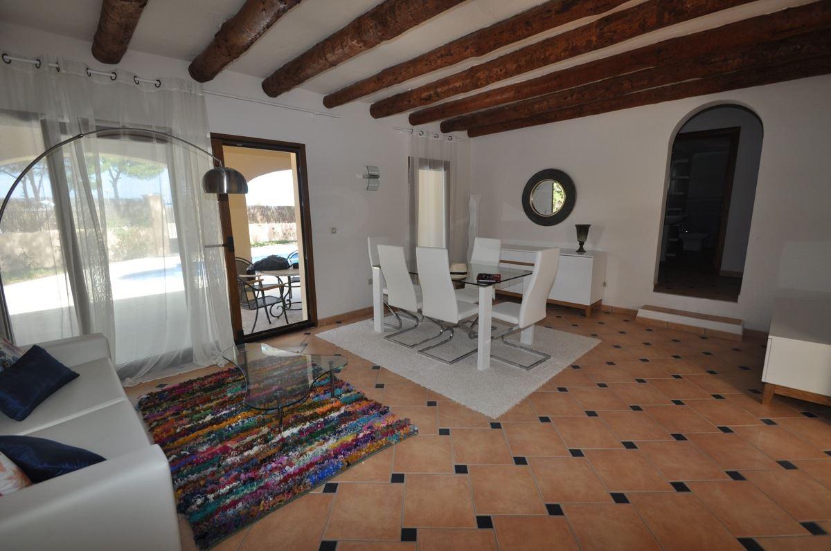 Prachtige vier slaapkamer villa te koop in San José