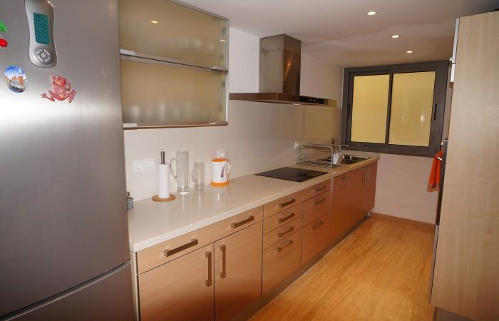 Mooi modern appartement met twee slaapkamers te koop in Marina Botafoch