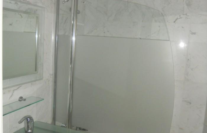 Luxe mooi appartement met twee slaapkamers in Marina Botafoch te koop