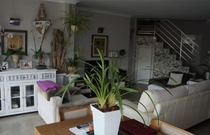Dit prachtige appartement met twee slaapkamers is te koop in Marina