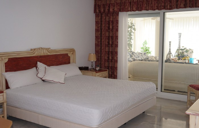 Luxe appartement met vier slaapkamers in Marina Botafoch te koop