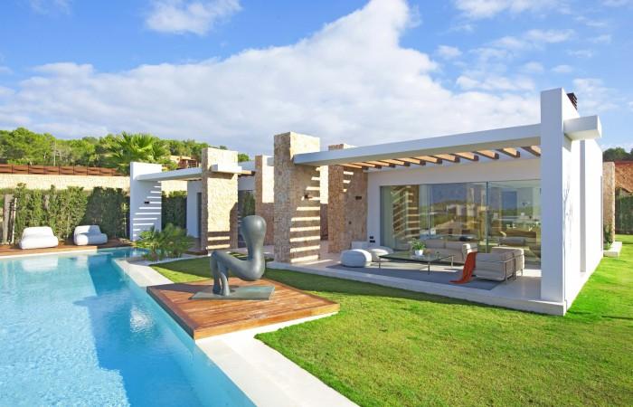 Moderne luxe villa in Cala Conta te koop