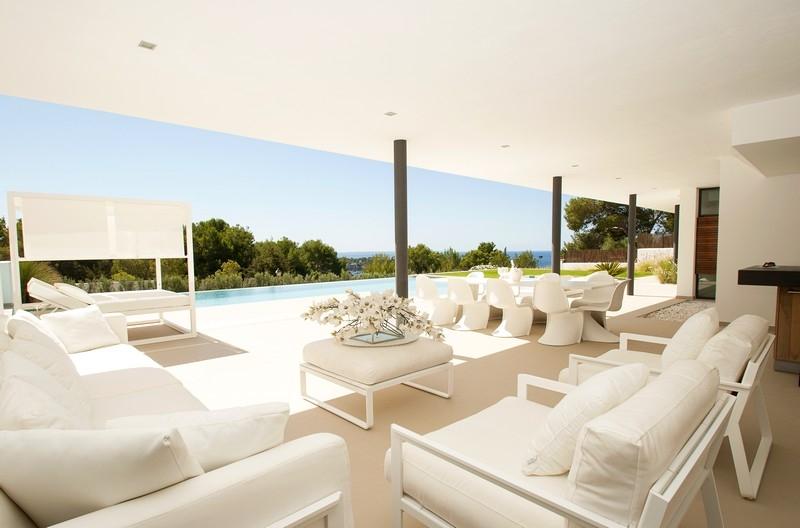 Ultra moderne villa te koop in Vista Alegera met uitzicht op zee