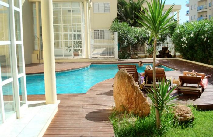 Moderne luxe appartementen met twee slaapkamers te koop in Marina Botafoch
