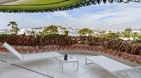 Modern luxe appartement te koop in het prestigieuze gebouw Las Boas