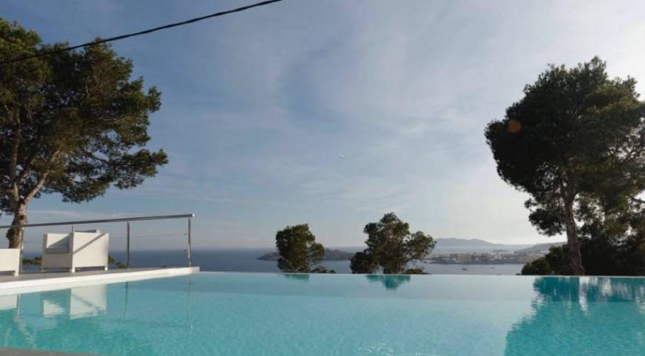 Grote villa te koop in Talamanca met 8 slaapkamers