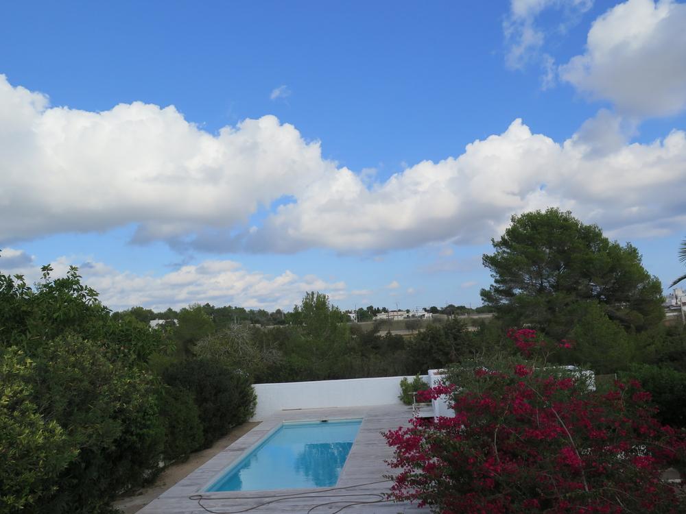 Onlangs gerenoveerde villa met uitzicht op zee in Es Codolar