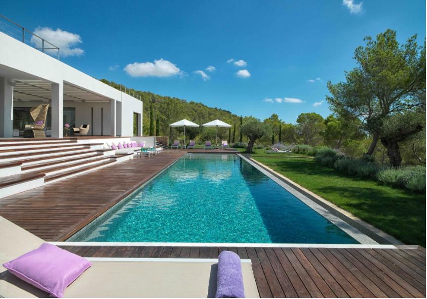 Zeer moderne villa te koop in de buurt van KM6 in Ibiza