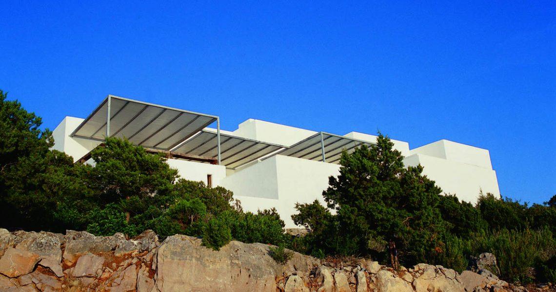 Droom villa in eerste lijn de zee in de buurt van Na Xamena