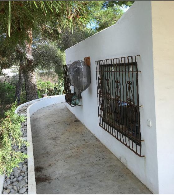 Finca in Cala Conta met veel rust en ruimte