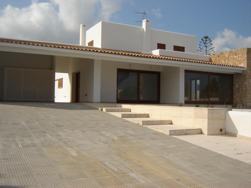 Nieuw modern huis in San Antonio Cala de Bou