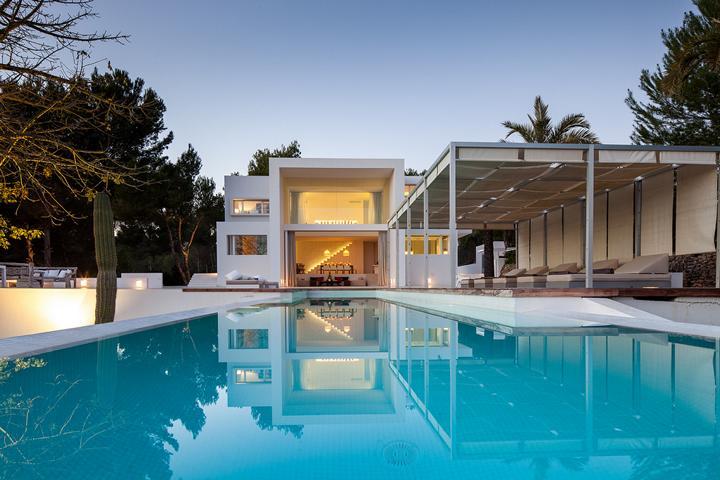 Nieuwe luxe villa te koop in Santa Gertrudis Ibiza