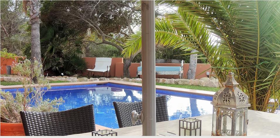 Moderne Villa te koop in Caló den real. Met prachtig uitzicht