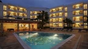 Luxe Suite Hotel Met Vier Sterren In Ibiza Te Koop