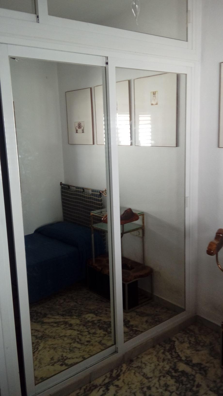 Modern en gemeubileerd huis met drie slaapkam