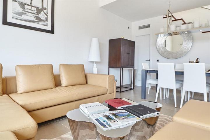 Zeezicht villa in Cap Martinet te koop