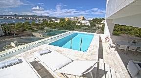 Gloednieuw Modern Appartement te koop in Es Pouet