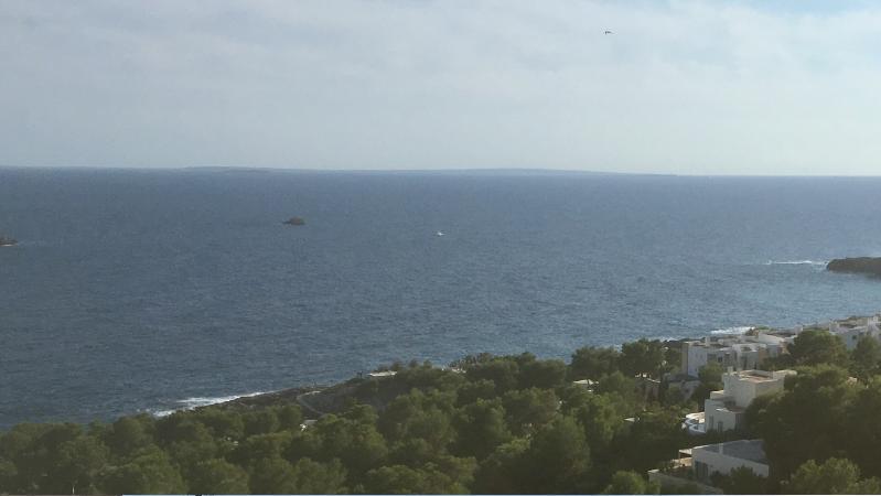 Perceel met panoramisch uitzicht op zee in Roca Lisa
