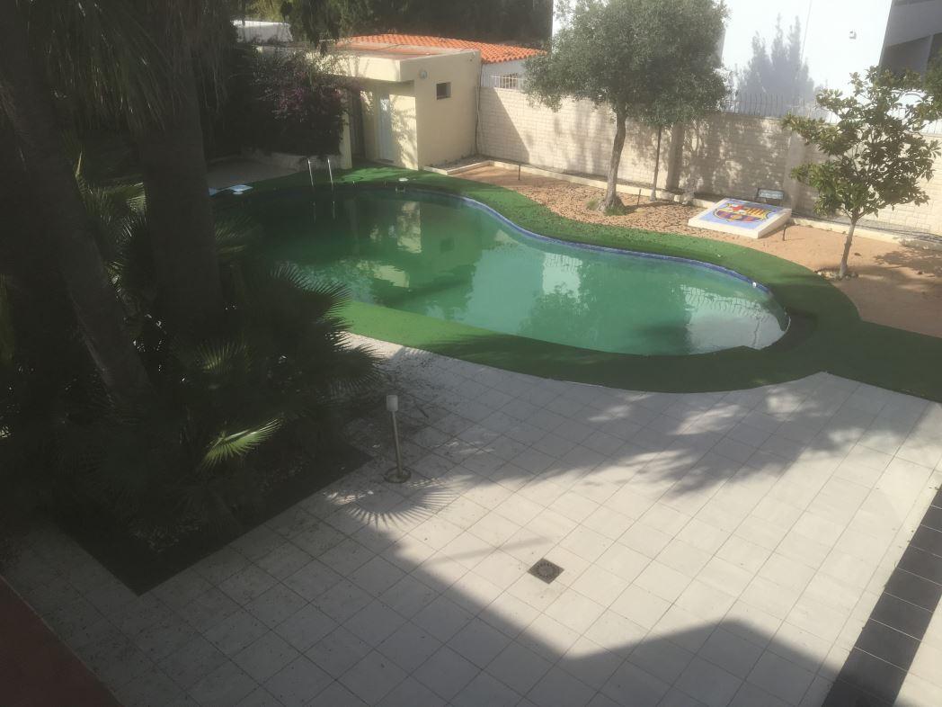 Villa in Playa d'en Bossa met 5 slaapkamers en huurlicentie