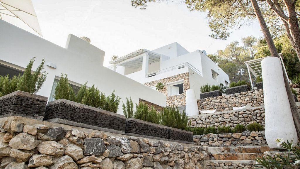 Elegante en ruime villa te koop in de buurt van Ibiza