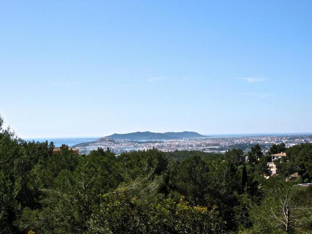 Fantástica parcela van 17.000m2 con licencia in Santa Eulalia