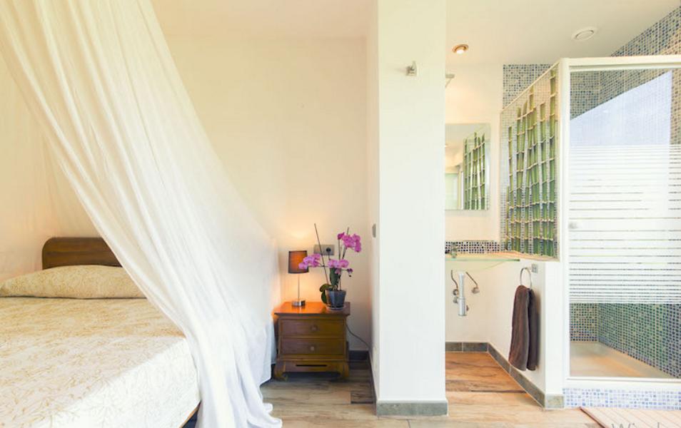 Villa in het zuiden van Ibiza dichtbij Cala Jondal te koop