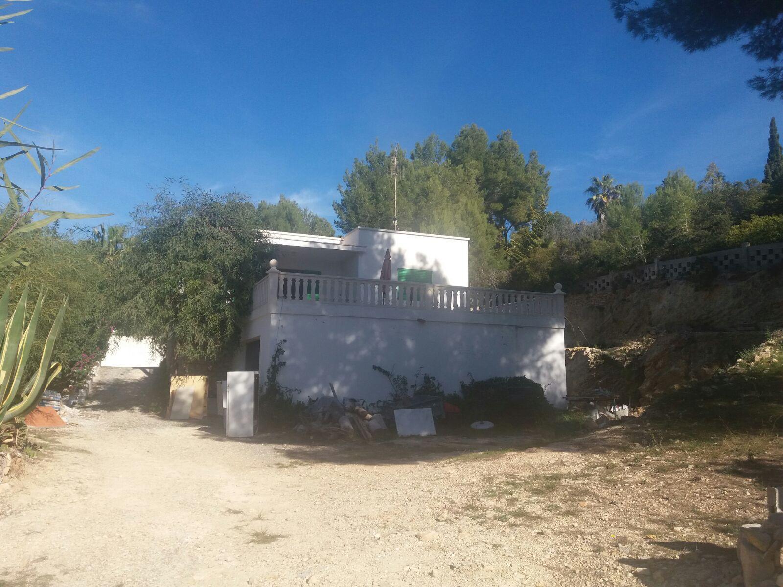 Oud huis met 124m2 en een perceel van 4000m2 in Can Germa