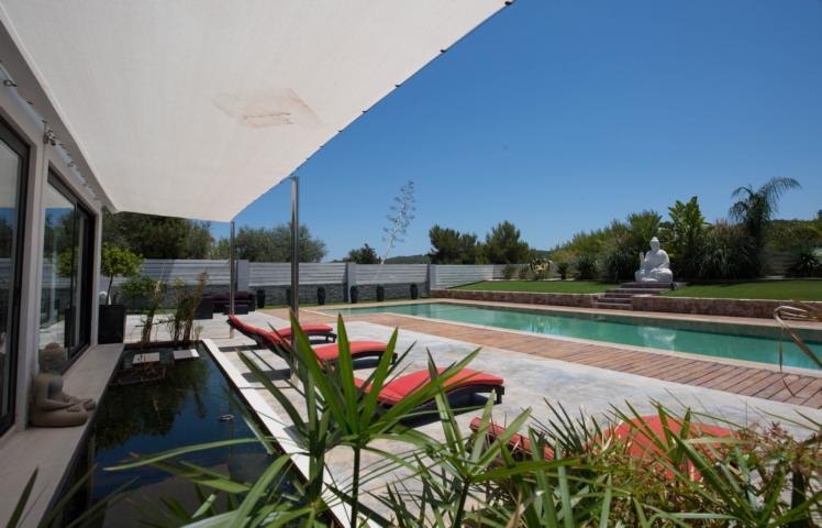 Prachtige villa gelegen in een gebied nabij de stad San Agustín