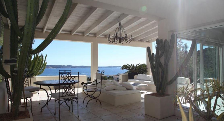 Villa gelegen in Cala Gracio met een fantastisch uitzicht