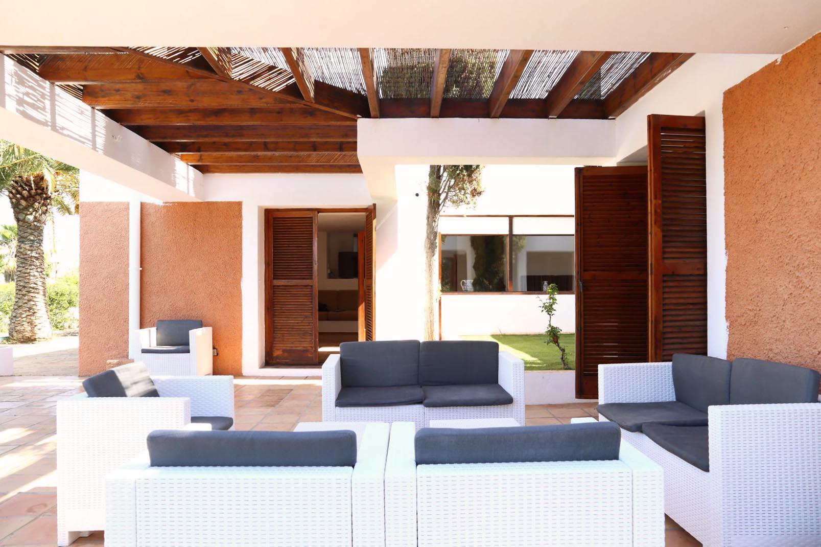 Architectenhuis gebouwd in het hart van het dorp Jesús
