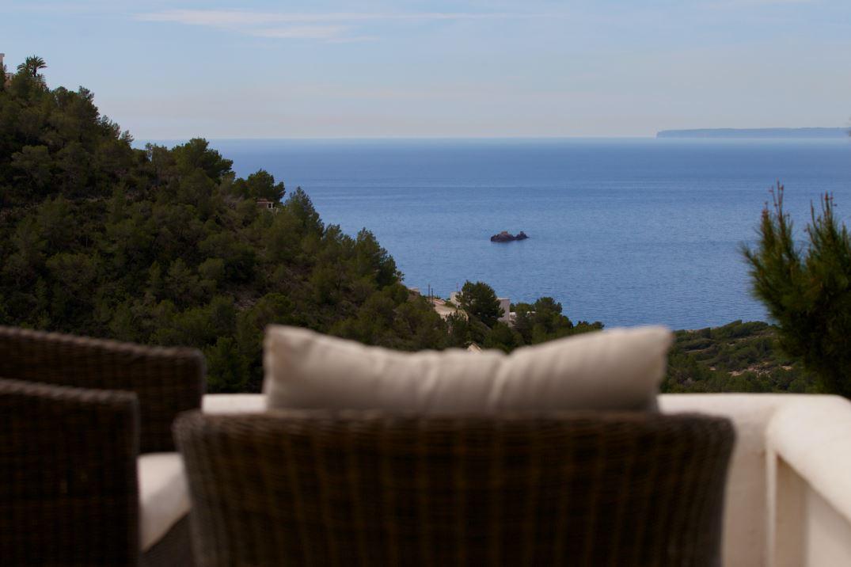 Eigendom in rustieke stijl volledig gerenoveerd in 2010 met het beste uitzicht op zee