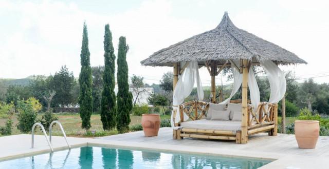 Villa te koop in een prachtige natuurlijke omgeving met uitzicht op zee