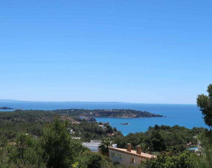 Bouwperceel met prachtig uitzicht op zee in luxueuze urbanizacion 'Vista Alegre'